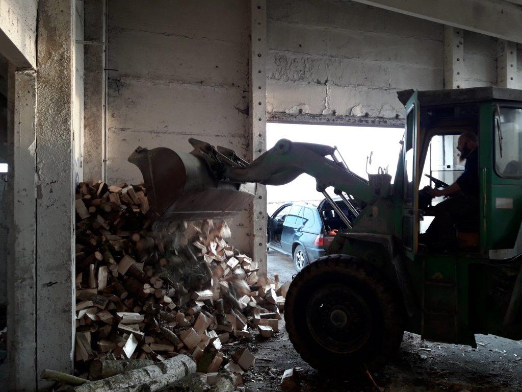 radlader brennholz